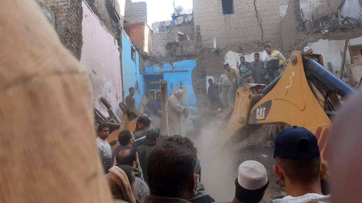 Mısır'da 3 katlı bina çöktü: 4 ölü