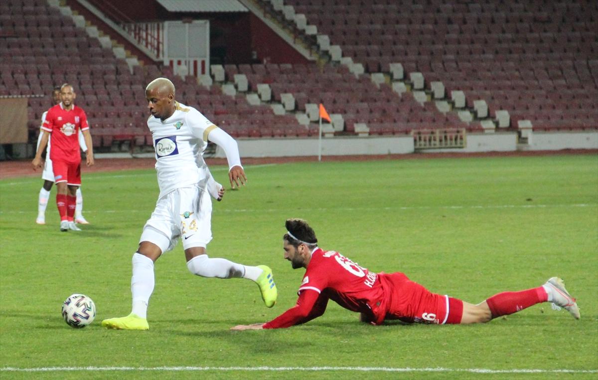 TFF 1. Lig:Aydeniz Et Balıkesirspor: 3 - Akhisarspor: 0