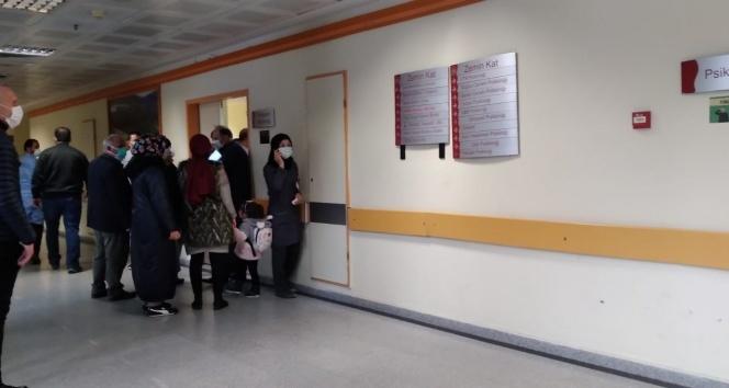 Kadın doktora hastanede orakla saldırı