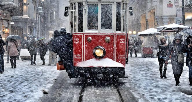 Meteoroloji açıkladı: İstanbul'a kar geri dönüyor
