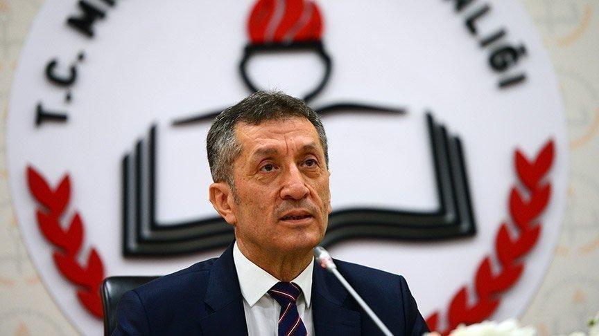 """Milli Eğitim Bakanı Selçuk: """"Yüz yüze eğitime geçilmesi kısa vadede mümkün değil"""""""
