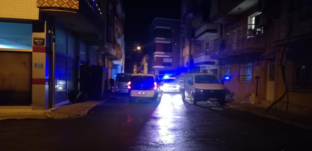 İzmir'in iki ayrı ilçesinde bıçaklı ve silahlı kavga: 1'i ağır 2 yaralı