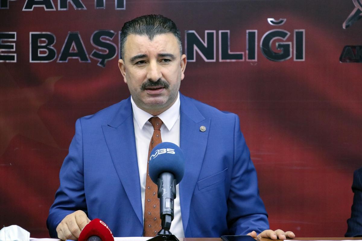 AK Parti Konak İlçe Başkanı Başdaş'tan Batur'a eleştiri