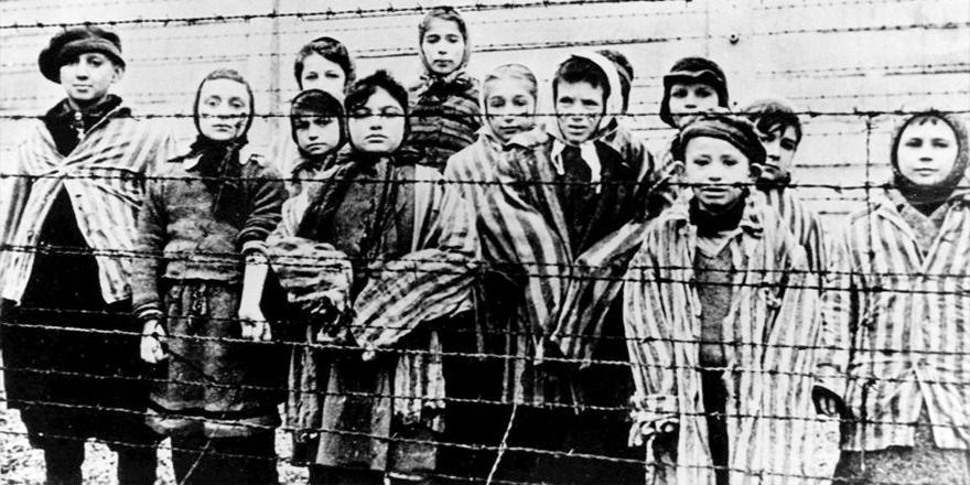 100 yaşındaki eski Nazi kampı gardiyanı, 3 bin 500'den fazla cinayete...