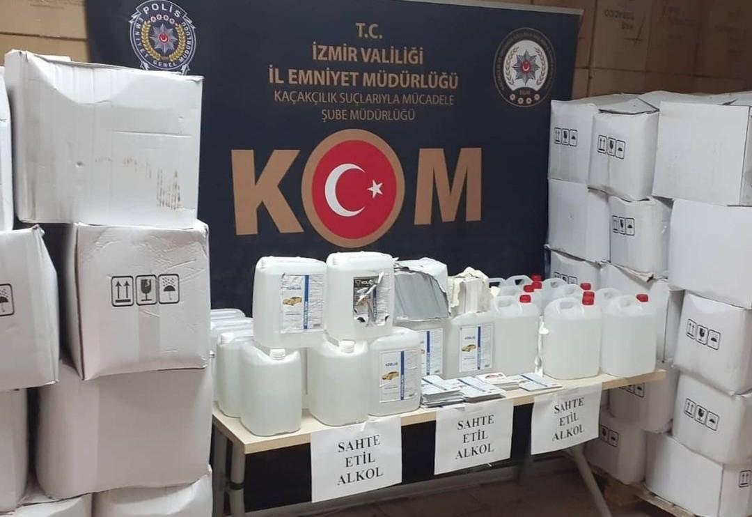 İzmir'de 33 bin litreden fazla sahte etil alkol ele geçirildi