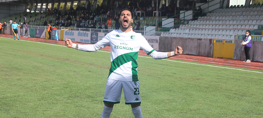 Profesyonel liglerin en golcü ismi, Ozan Sol