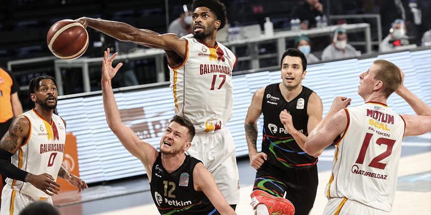 Galatasaray: 65 - Aliağa Petkimspor: 89