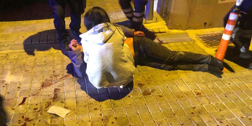 Annesiyle sevgilisini yakalayan lise öğrencisi dehşet saçtı: 2 yaralı
