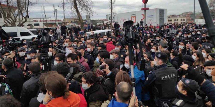 Kadıköy'deki eylemlerde gözaltına alınan 2 şüpheli tutuklandı