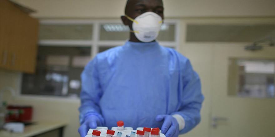 Kenya Sağlık Bakanlığı, Sevgililer Günü'nde çiftleri hediye olarak kan bağışına çağırdı