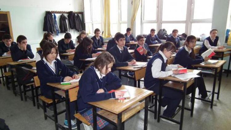 İzmir'de yüz yüze eğitimin başlayacağı okullar hazır