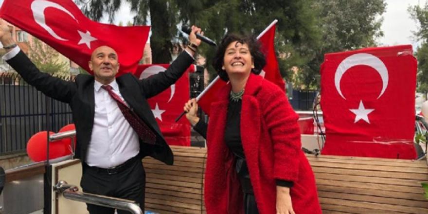 """İzmir'de """"Eş satıyor, koca alıyor"""" Kılıçdaroğlu ihalelerini online YouTube'den izliyor durumu!"""