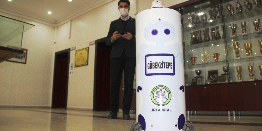 Korona virüs hastalarına robotlar müdahale edecek