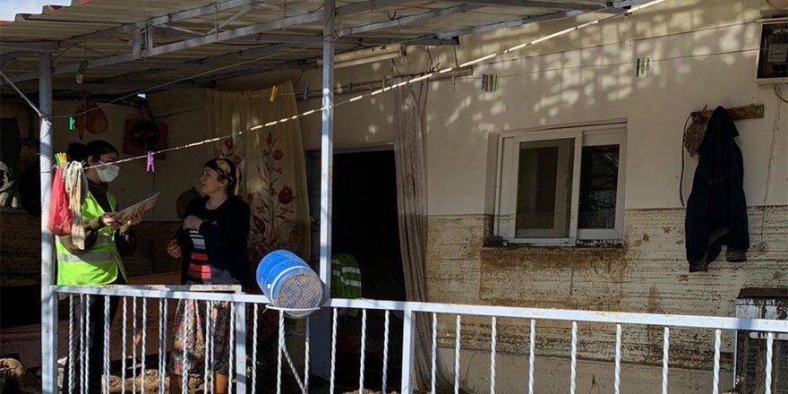 İzmir Büyükşehir Belediyesinin sel mağdurlarına desteği 13 milyon lirayı aştı